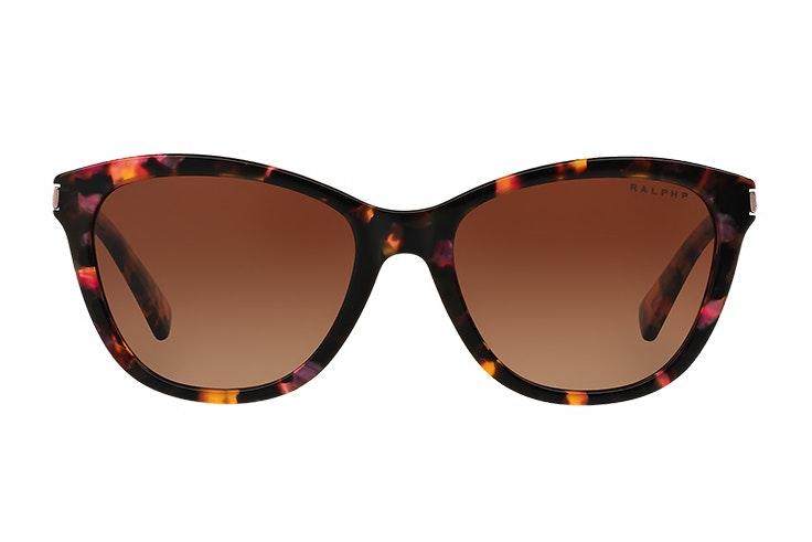 Gafas de sol cat eye de Ralph Lauren. Disponibles en Sunglass Hut