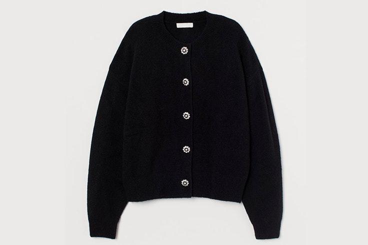 Cárdigan con botones de strass en color negro de H&M