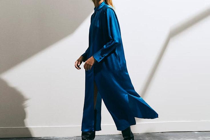 Vestido en color azul de Massimo Dutti