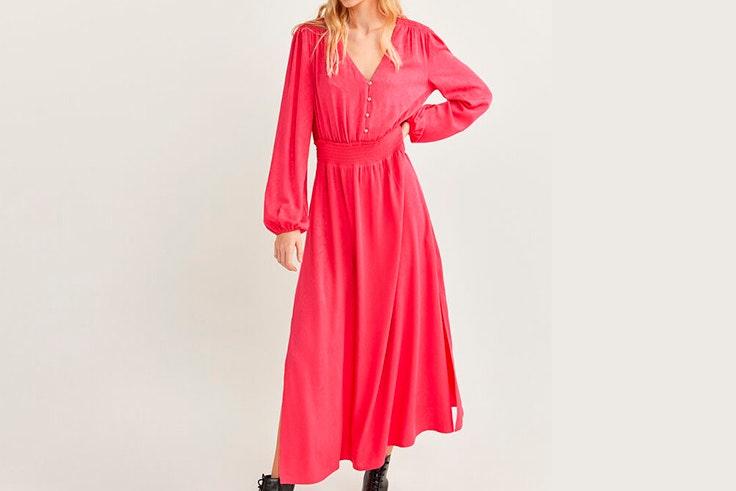 Vestido largo en color fucsia de Springfield vestidos de entretiempo