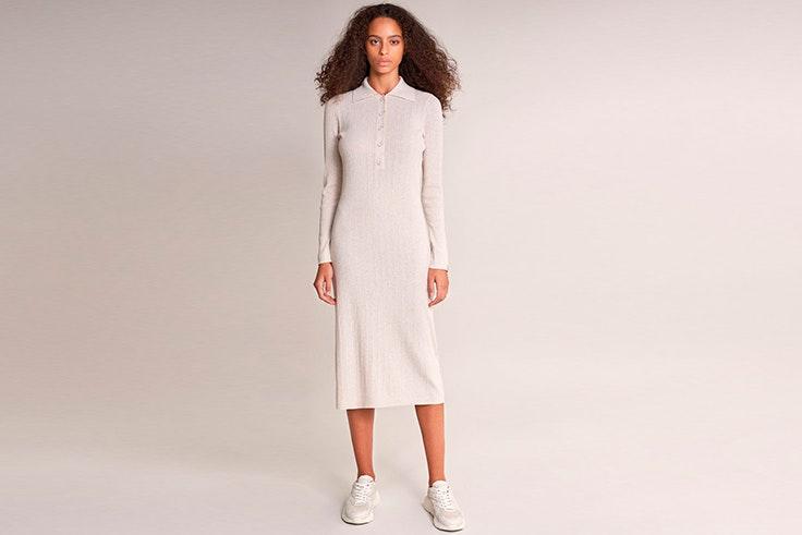 Vestido de punto con cuello en color blanco salsa 7/24 colección cápsula