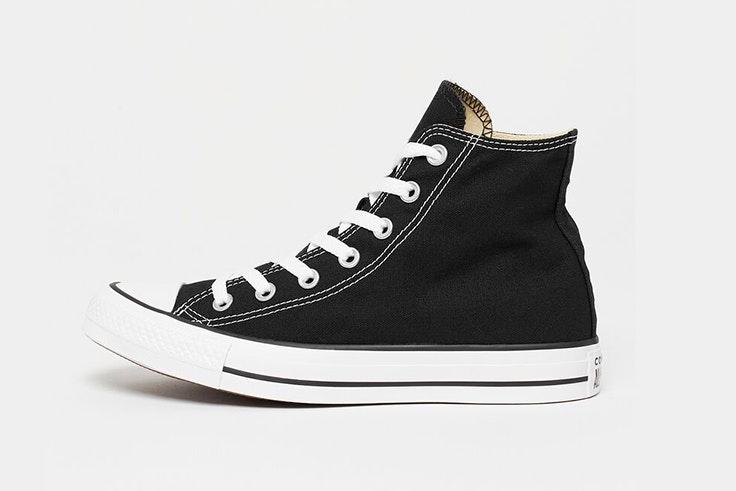Converse negras disponibles en Snipes zapatillas aretha fusté