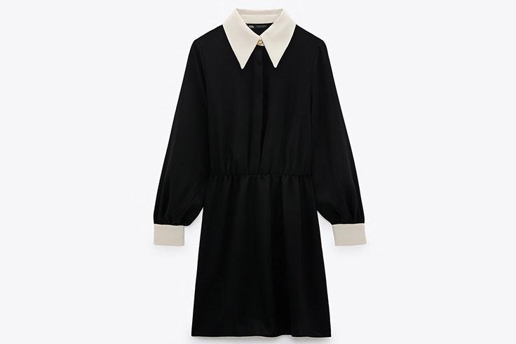 Vestido negro con cuello y puños en contraste de Zara