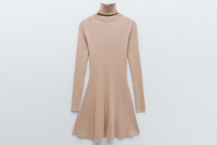 Vestido de punto en color beige de Zara