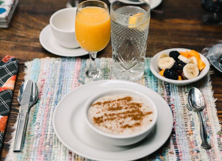 Desayunos de fin de semana zumo de naranja
