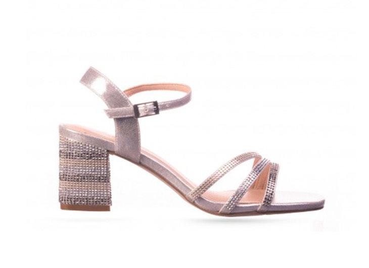 Sandalias de tacón en color plata de RKS