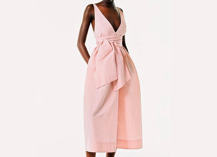 looks de alfombra roja Vestido rosa con escote en pico zara