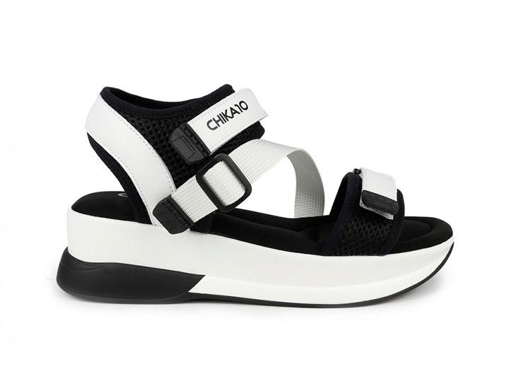 sandalias para primavera Sandalias estilo deportivo en color blanco de Chica 10