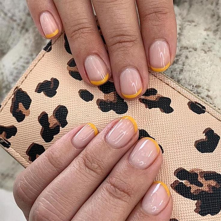 Tendencias de uñas nail art manicura francesa
