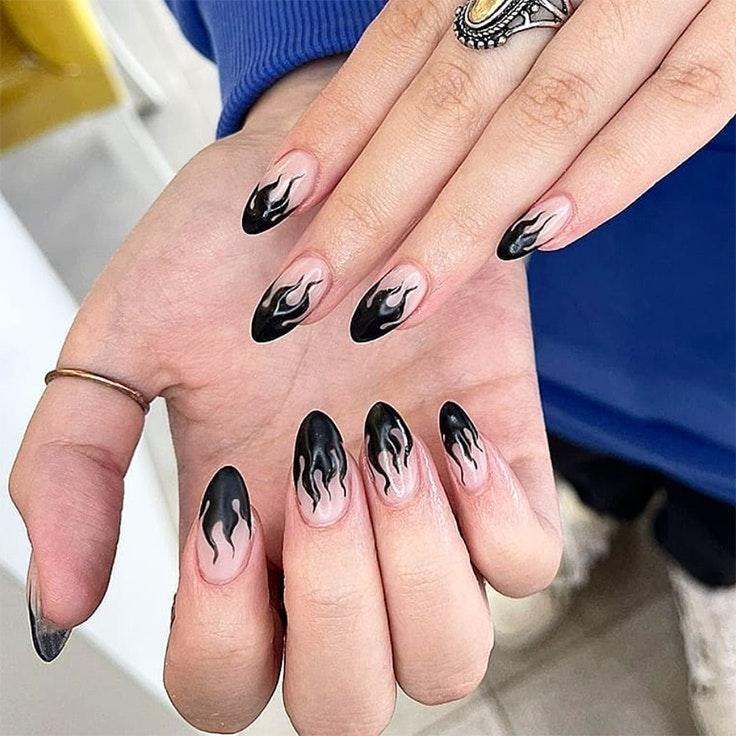 Tendencias de uñas nail art llamas