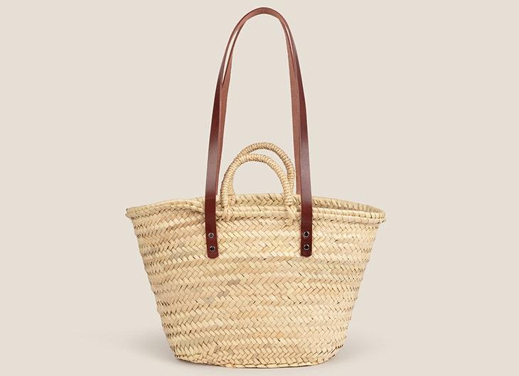 Bolso cesta de mimbre de Oysho nueva colección 2021
