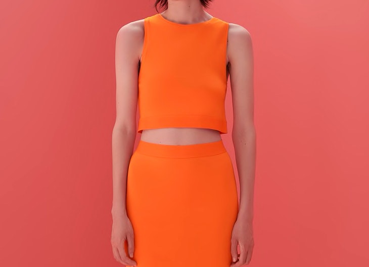Top básico de tirantes de Zara color naranja