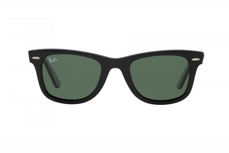 maría valdés Gafas de sol Wayfarer de Ray Ban. Disponibles en Sunglass Hut