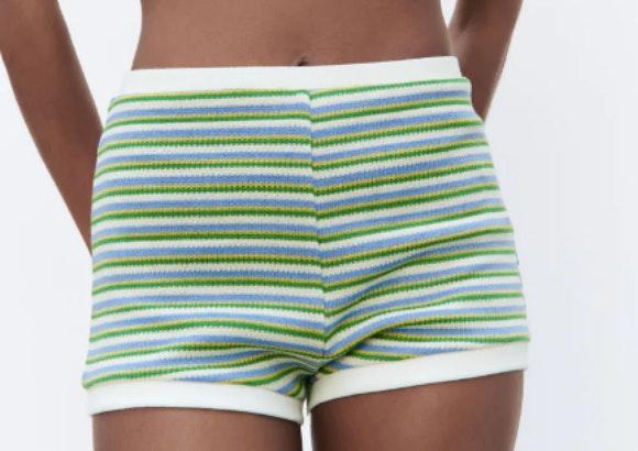 Pantalón de punto de rayas, Zara.