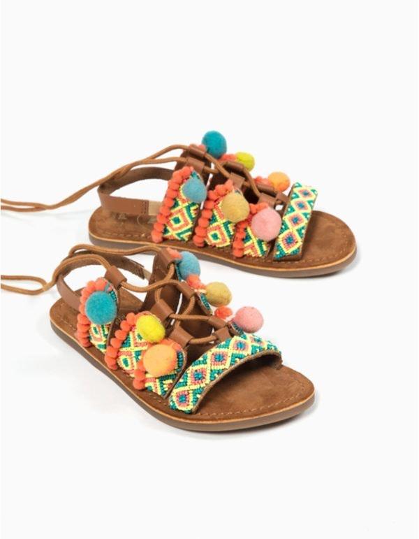 Sandálias, 25,99€