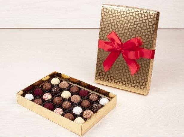 Caixa Dourada com seleção de 24 trufas, 22,98€