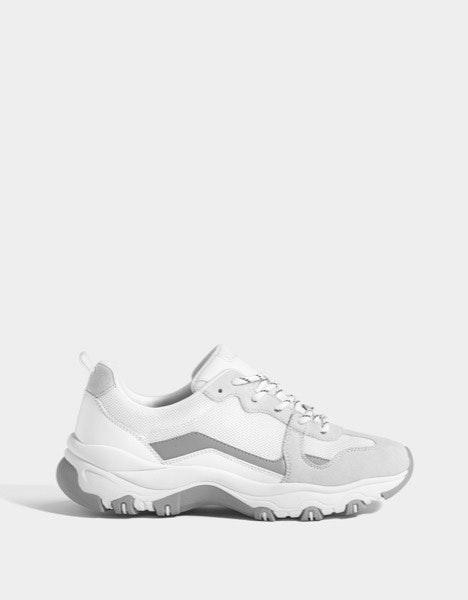 Sneakers Bershka, antes a 35€ e agora a 12,99€