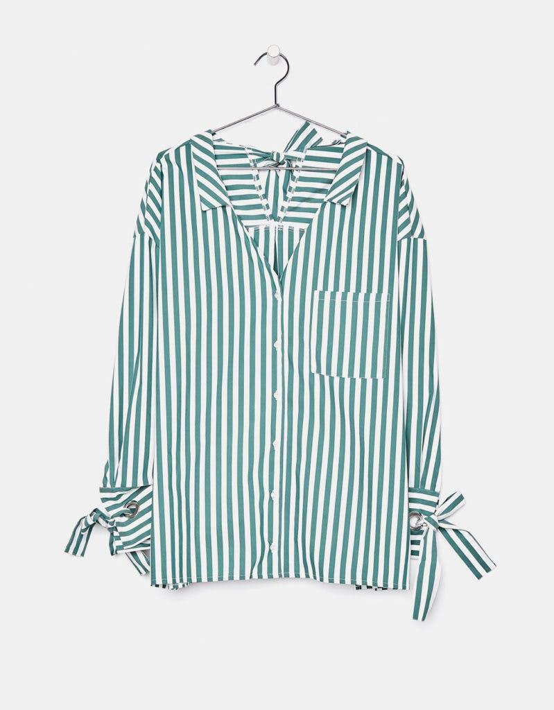 Camisa Bershka, antes a 24,99€ e agora a 12,99€