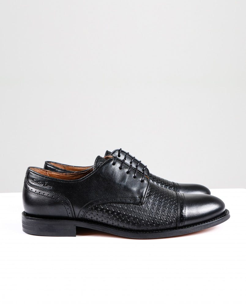 Sapatos, Suits Inc, antes a 69,99€ agora a 49,99€