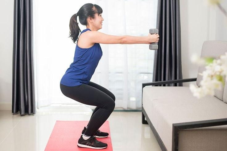 ejercicios en casa sentadillas