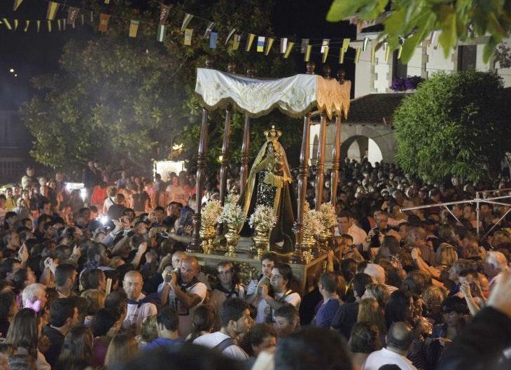 Vive las Fiestas del Carmen en Revilla