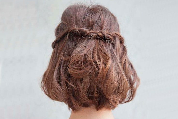 trenzas-pelo-corto-semi-recogido-ondulado