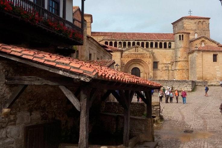 Santillana del mar, Cantabria, turismo, iglesi