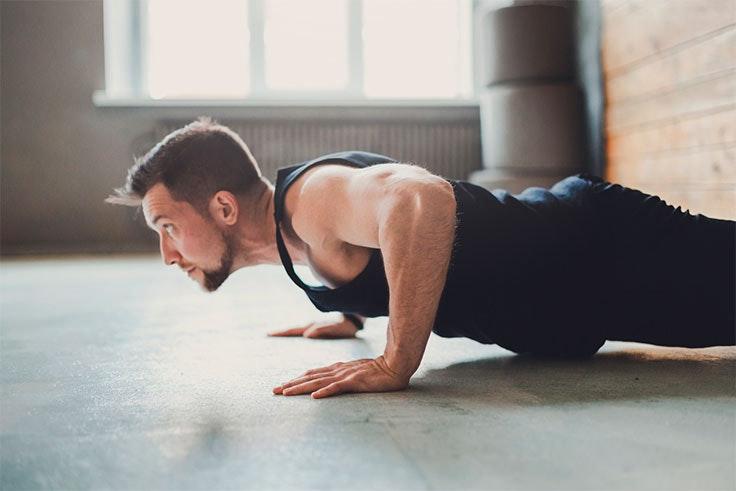 Con este ejercicio fortaleces diferentes músculos de tu cuerpo