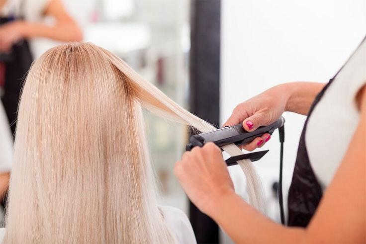 Utilizar en exceso productos que estropeen tu cabello no es bueno