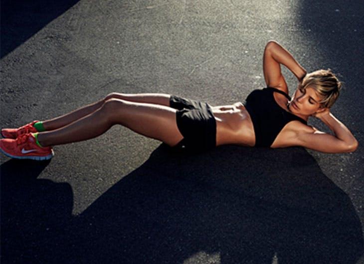 Elsa Pataky se une a los abdominales hipopresivos