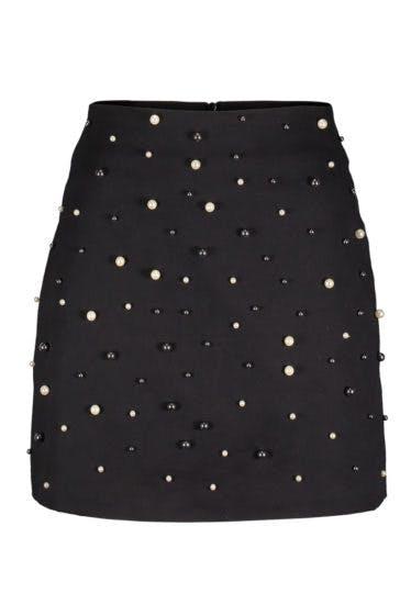 falda de tubo negra con perlas