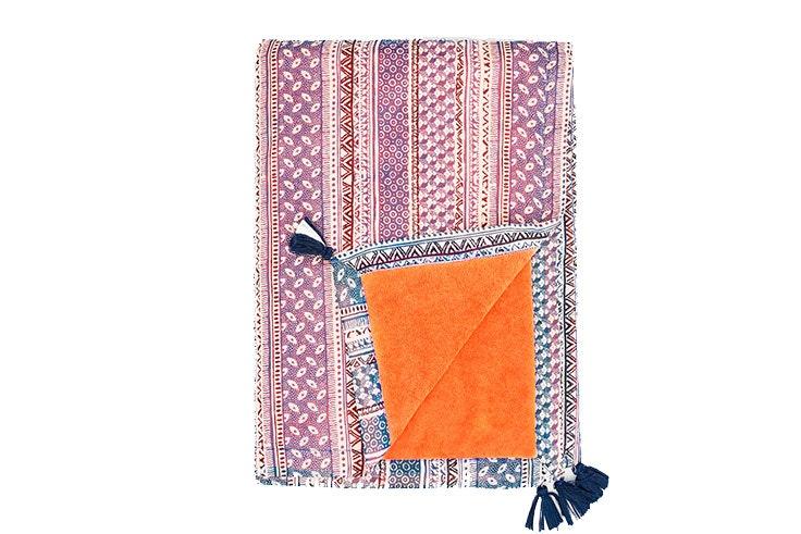 Tendencia de toallas-pareos para lucir en la playa