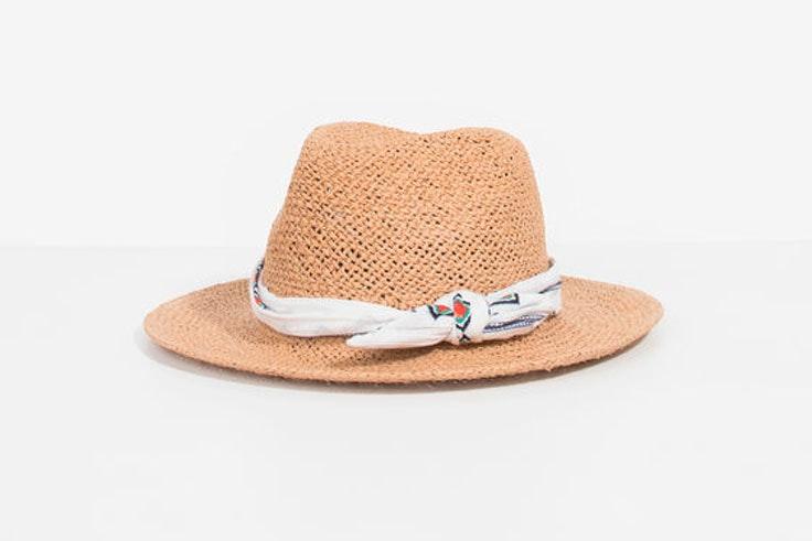 sombrero-rafia-panuelo-parfois