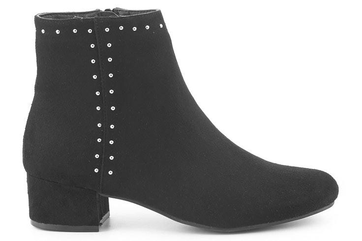 botin-negros-tachuelas-merkal-calzados