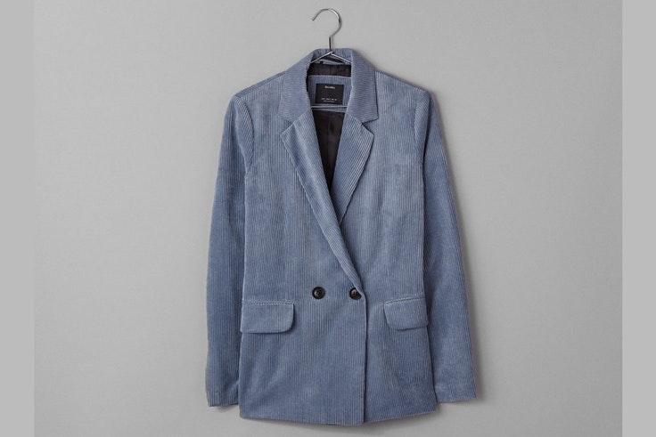 chaqueta-color-azul-pana-bershka