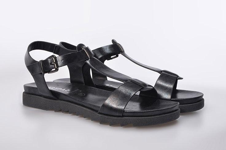 sandalia-negra-plana-marypaz