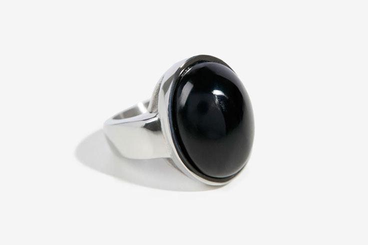 anillo-plata-negro-parfois-itziar-aguilera