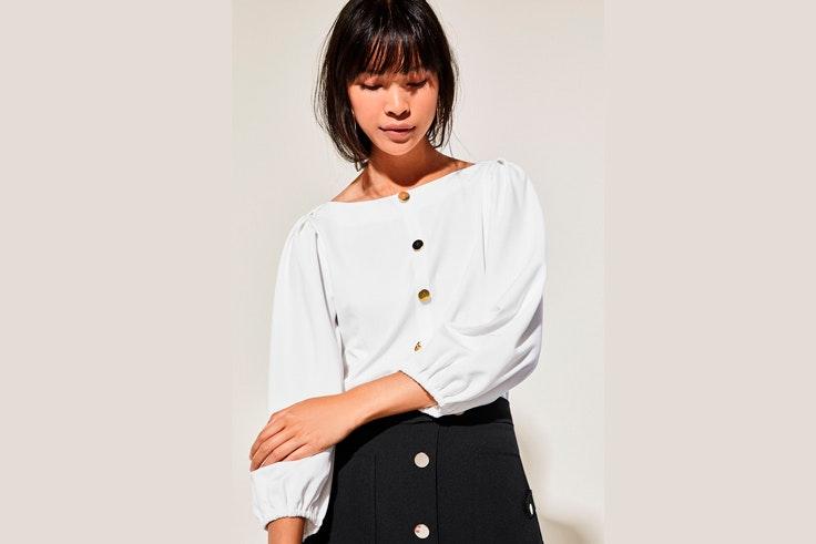 blusa-blanca-manga-abullonada-cortefiel