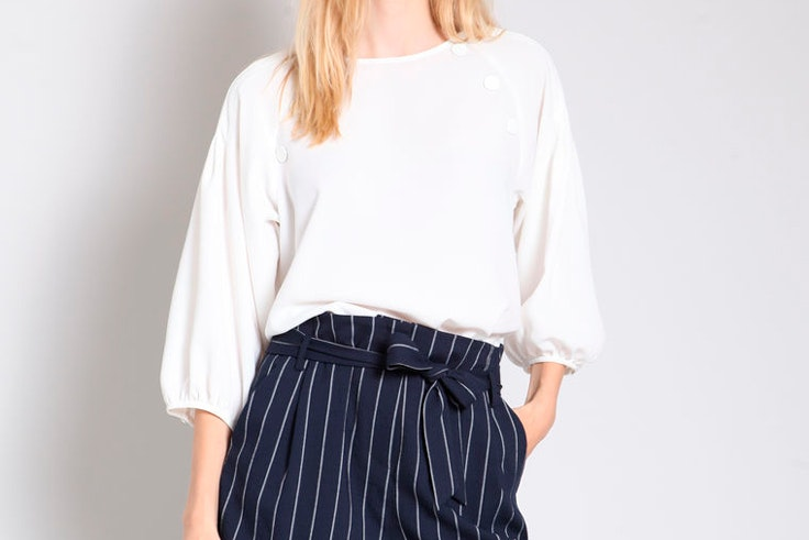 blusa-manga-abullonada-blanca-pimkie