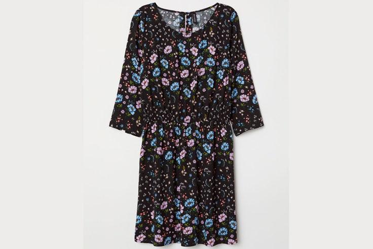 vestido-negro-estampado-flores-hm
