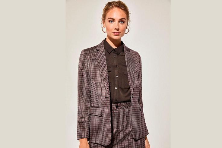 chaqueta-blazer-estampado-cuadros-cortefiel