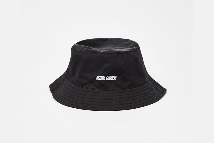 sombrero-negro-pescador-bershka