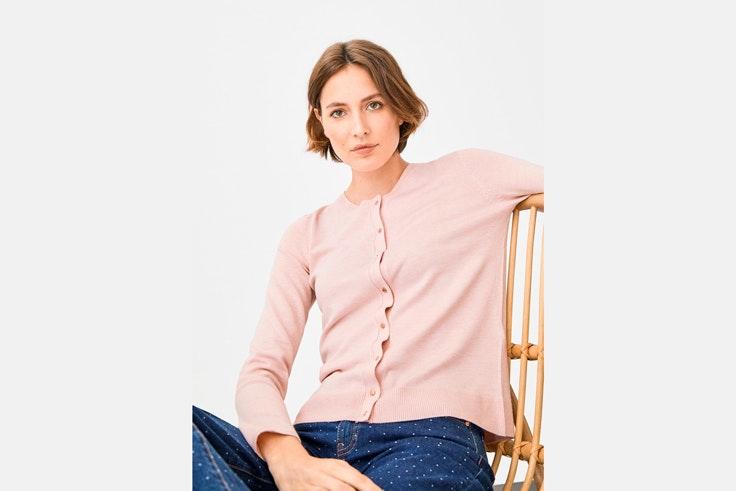 chaqueta-punto-rosa-cortefiel