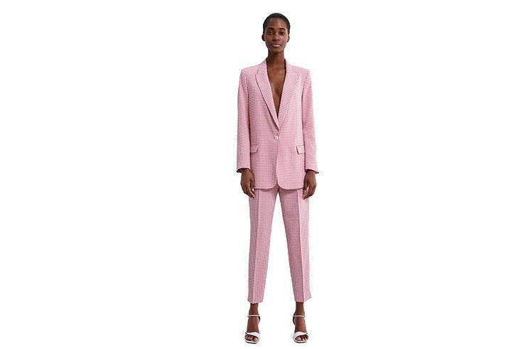 Traje rosa de cuadros vichy de Zara Precio