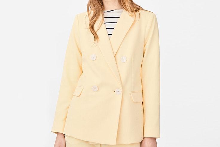 blazer amarillo color pastel