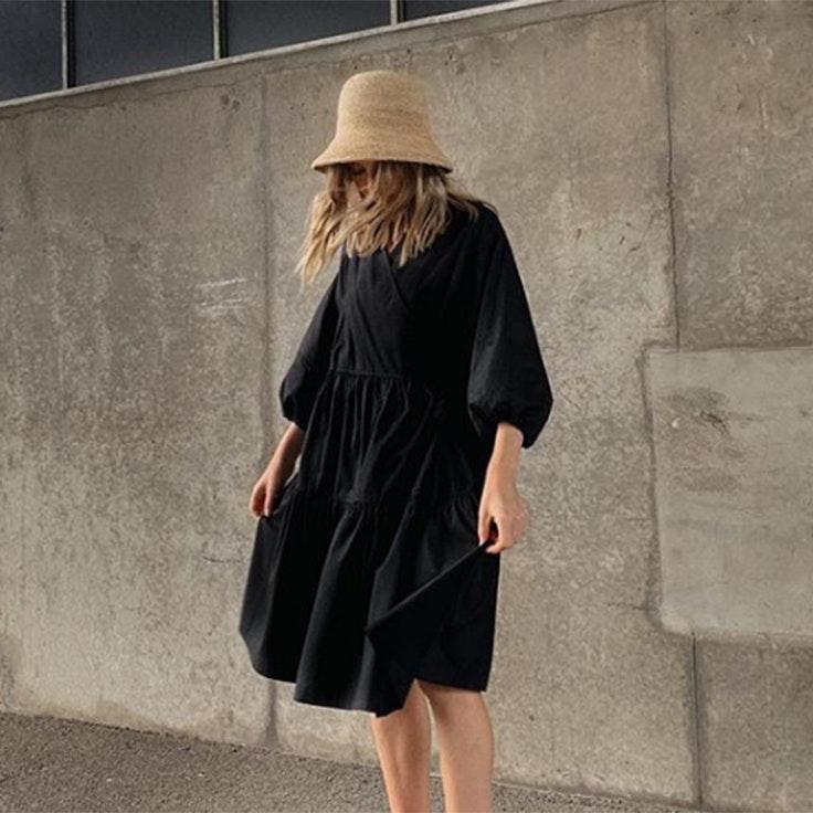brittany bathgate vestido negro