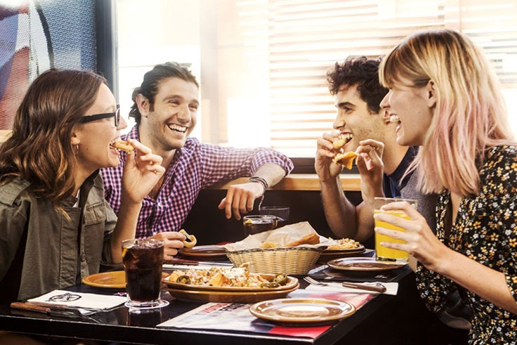 Disfruta-de-una-buena-comida-o-cena-en-Valle-Real