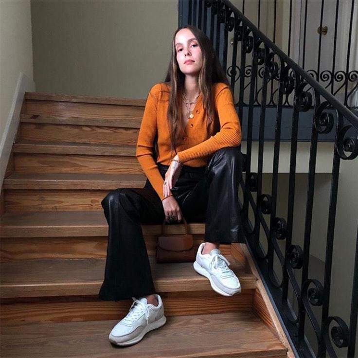 helena cuesta estilo instagram zapatillas blancas ugly shoes