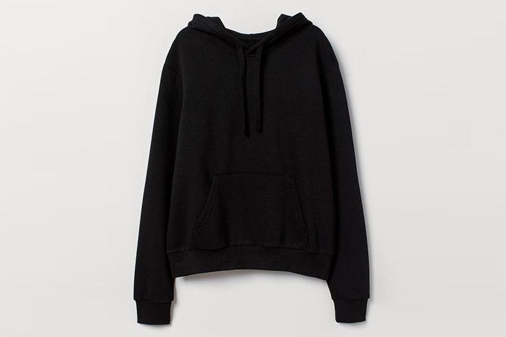 sudadera negra con capucha hm