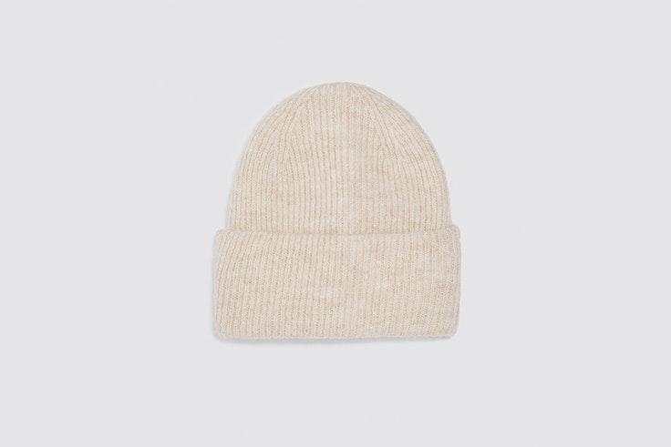 gorro beanie con lana y alpaca de zara prendas para el frío